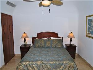 2nd Bedroom has a Queen size bed
