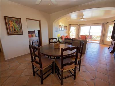 Dining room with seating for 6 guests