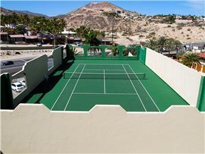 Las Olas rooftop tennis court