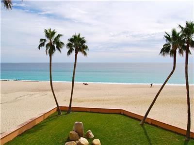 La Jolla G301 ia a true beach front condo