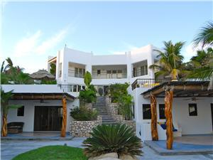 Lower 2 casitas with pool and ocean views