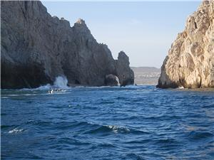 The Arch stradles the Pacific and Sea of Cortez