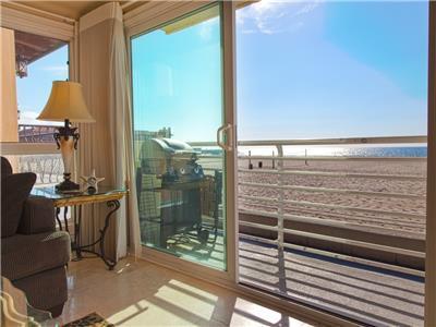 Condo in Hermosa Beach