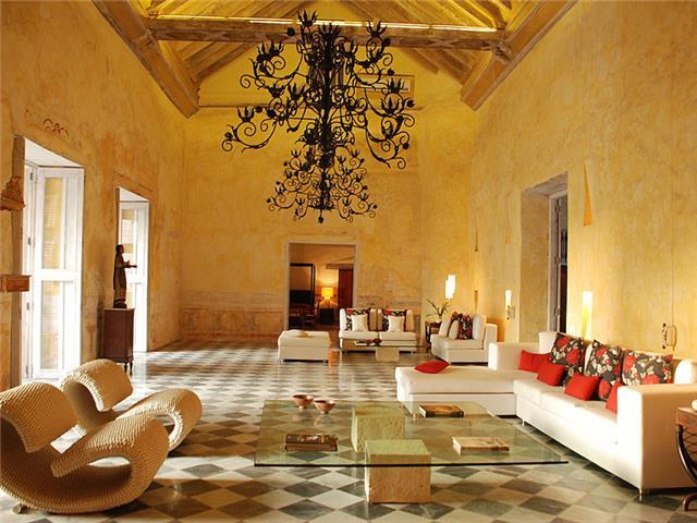 In Historic Cartagena: Spectacularly Beautiful 4 Bedroom Apartment in 16th Century Palace