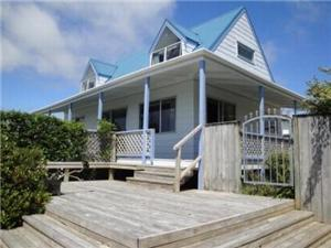 Beach House in Snells Beach