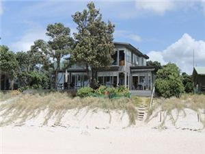 Beach House in Whangapoua
