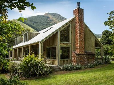 Beach House in Marlborough Sounds