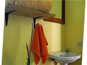 Camaleon Studio Bathroom