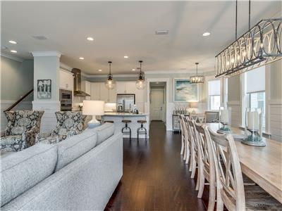 Gorgeous Floorplan Perfect for Entertaining!
