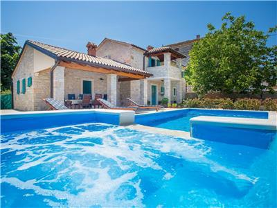 Charming Villa Medvidici - three bedroom villa with private pool near Porec