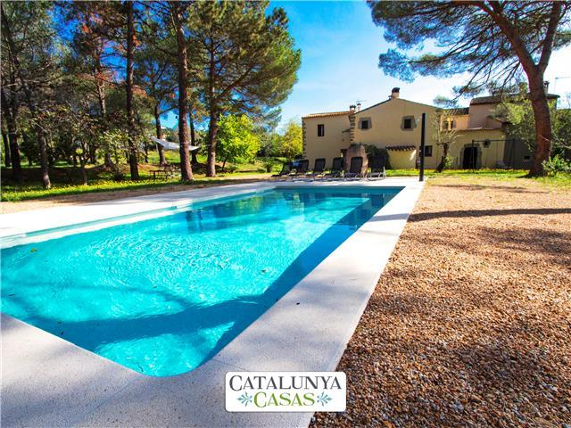 Rustic 7-bedroom villa in Santa Cristina only 4km from the beaches of Costa Brava!