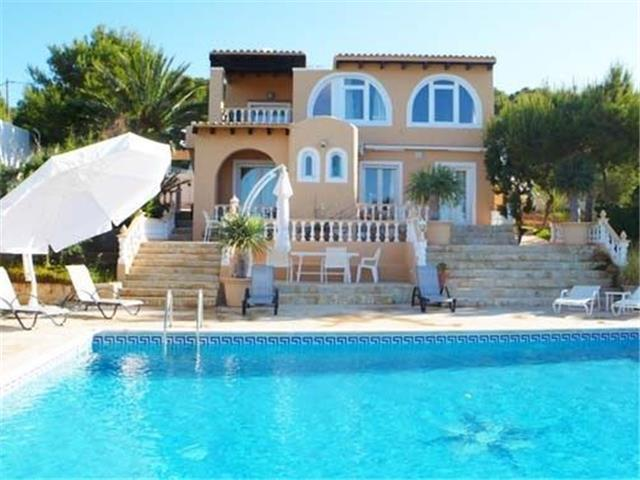 Villa Conta for up to 7 guests, a 5-minute walk from Ibiza beaches! Catalunya Casas