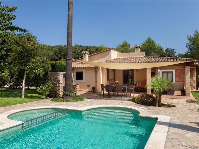 Gorgeous Villa Llenya for 4 guests, only a 15-min walk to the town of Pollensa! (Catalunya Casas)