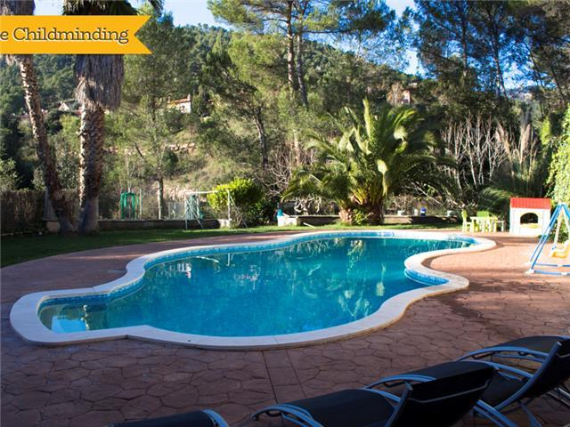 Catalunya Casas: Pleasant family villa in Matadepera, located right outside of Barcelona!