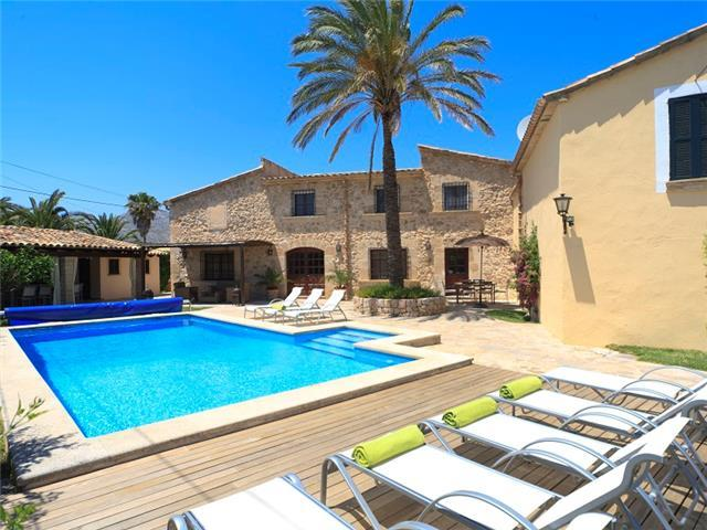 Catalunya Casas: Villa Grande Xica for up to 8 guests, just 6km to the beaches of Mallorca!