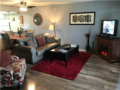 Mayfield's Comfortable  Condo, Bubble Tub, WIFI, 1 King- 2 Queen Beds, Near