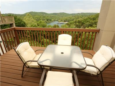 Branson Condo Rental | Eagles Nest | Indian Point | Silver Dollar City | Penthouse (061605)