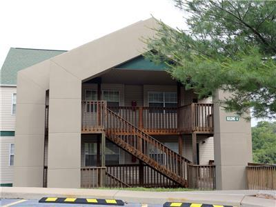 Branson Condo Rental | Eagles Nest | Indian Point | Silver Dollar City | Pool | Hot Tub (041602)