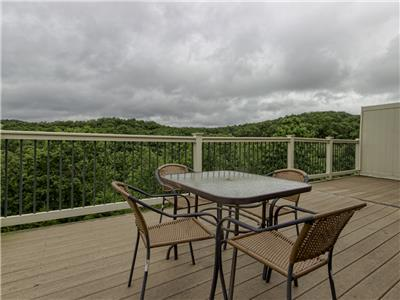 Branson Condo Rental | Eagles Nest | Indian Point | Silver Dollar City | Lake Views (151605)