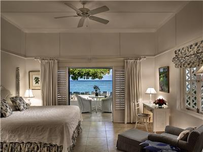 The beautiful and comfortable ocean rooms with an amazing view of the Caribbean Sea