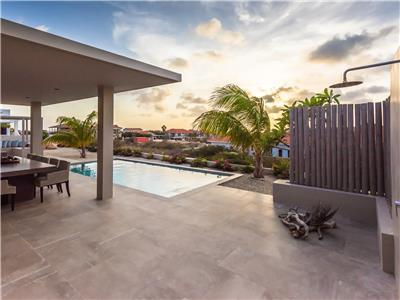Beautiful design villa in Jan Thiel with oceanview