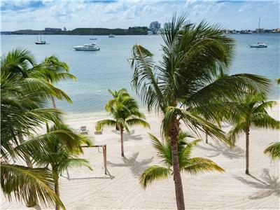 Bright, Spacious and Comfortable Duplex with Lovely Views on the Simpson Bay Lagoon