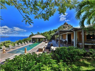 7 bedroom estate with incredible views of Anses des Cayes Beach