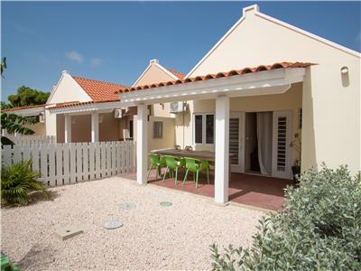 Cozy 2 bedroom Townhouse Jalousie with communal pool, gym and tennis court