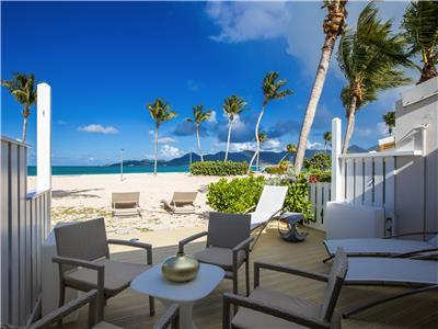Romantic beachfront getaway perfect for a honeymoon