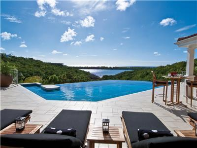 Beautiful Ocean view Villa with a large pool