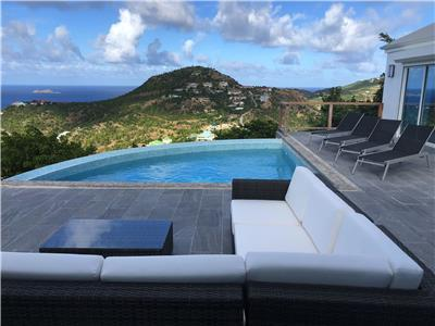 Villa with Privacy and an astonishing view on top of the hill