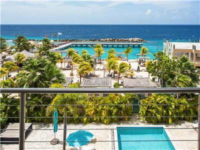 Amazing caribbean luxury with beach front views & 2 min walk to beach