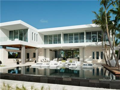 Beachfront fully staffed villa with unique design
