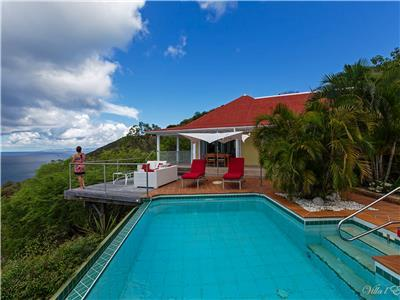 Lovely 2 bedroom villa on a hilltop in Colombier