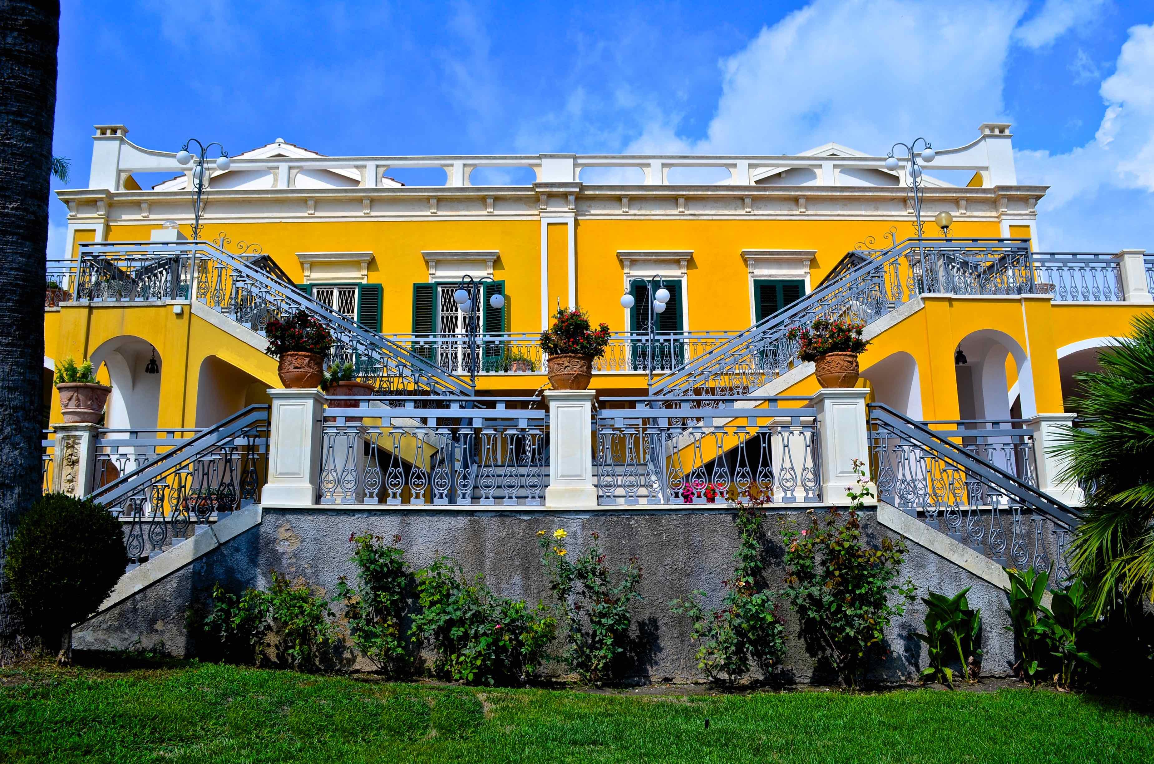 Ferienhaus Villa La Timpa - ancient and majestic villawhich enjoys a wonderful view of Mount Etna an (2037230), Acireale, Catania, Sizilien, Italien, Bild 2