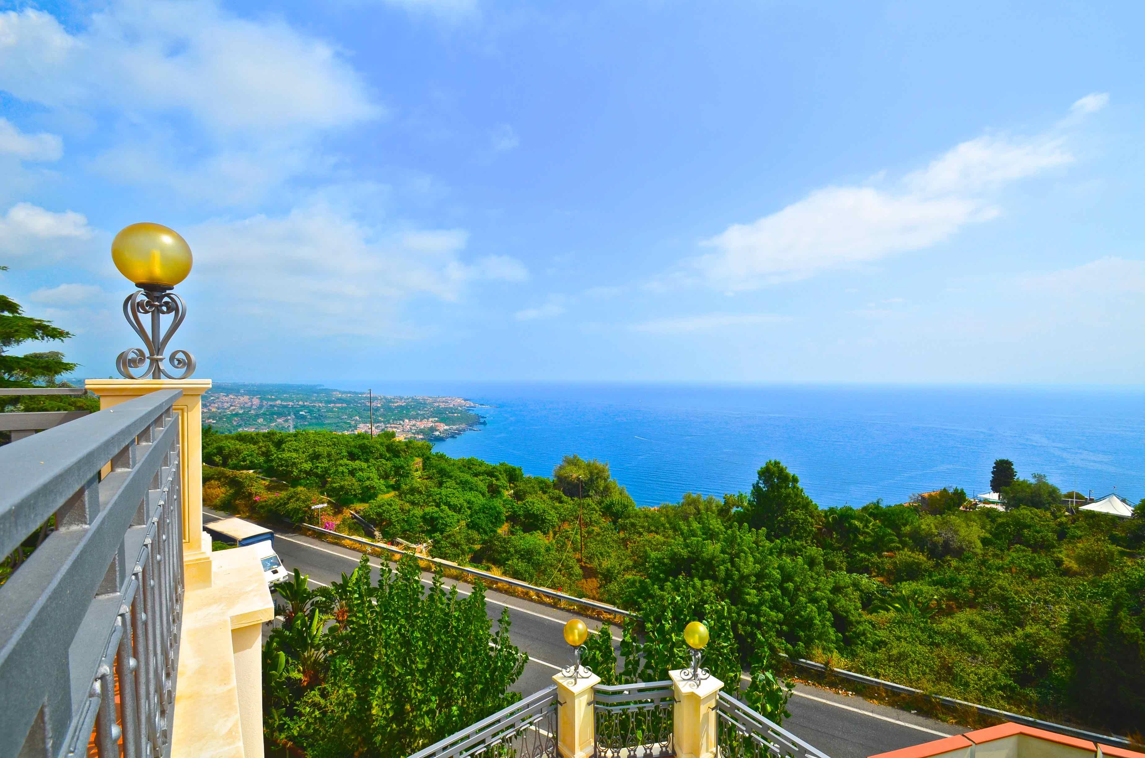 Ferienhaus Villa La Timpa - ancient and majestic villawhich enjoys a wonderful view of Mount Etna an (2037230), Acireale, Catania, Sizilien, Italien, Bild 9