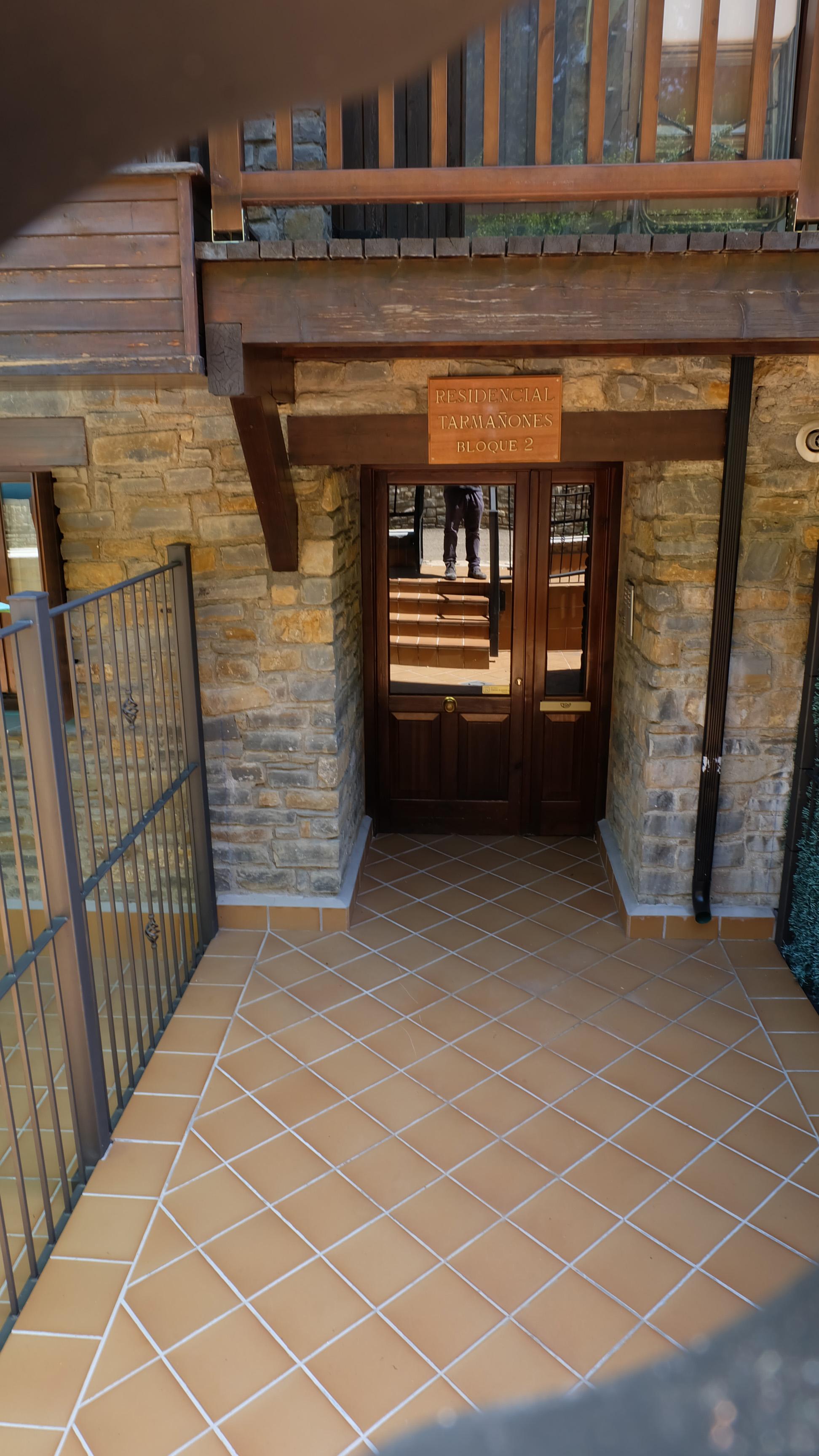 TAR51 - Apartamento Tarmañones de 3 Dormito   Aragonien