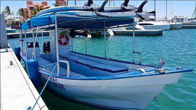 Espiritu Santo Island Experience for up to 15 Passengers - Private 27 Feet Boat