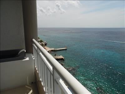 FRESA (Strawberry) Penthouse - Oceanfront One Bedroom - Great Sunset Views!