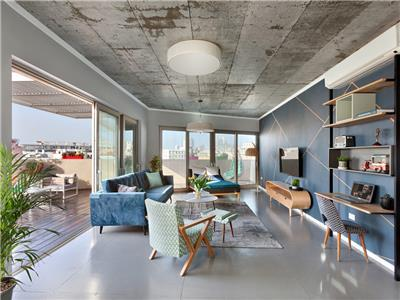 (17)The Flea Market Dream Penthouse - The Clock House