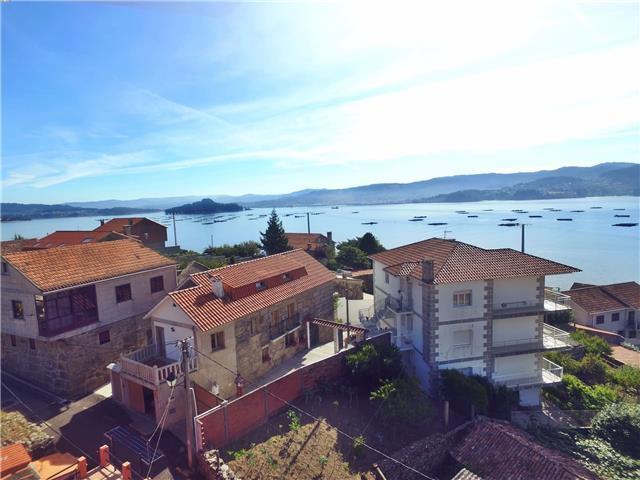 1792b2f90374b Ref. 10563 Casa con vistas al mar cerca de Sanxenxo en Raxo-Rías Bajas -  Casas Completas de Galicia