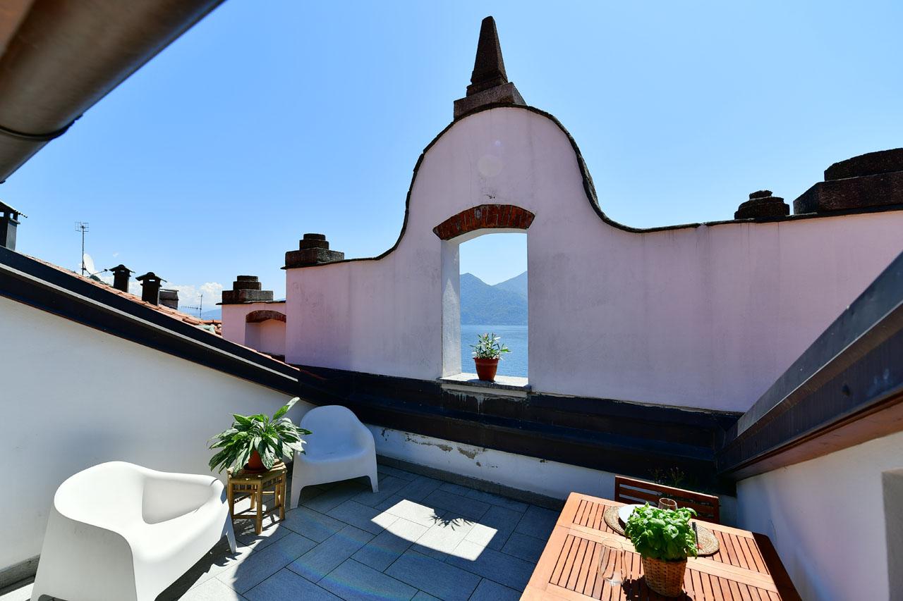 Ferienwohnung La Finestra sul lago luxuriöse Wohnung am Seeufer von Verbania (2811401), Intra, Lago Maggiore (IT), Piemont, Italien, Bild 1