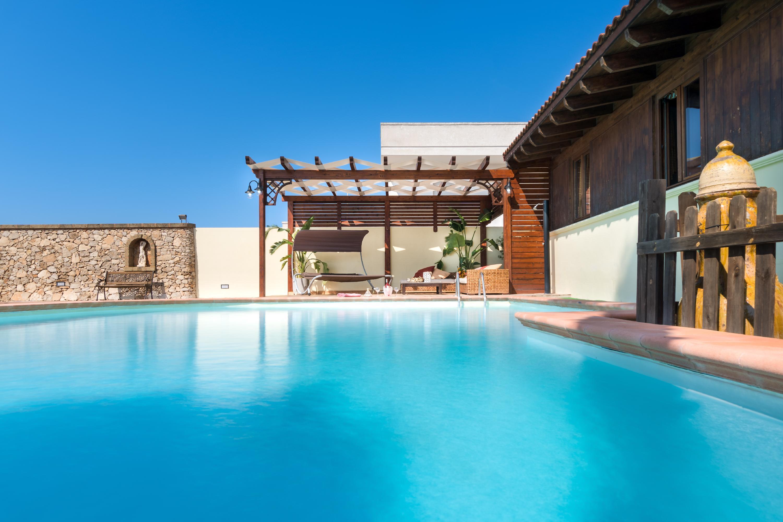 Luxury Pool Chalet Ferienhaus  Apulien
