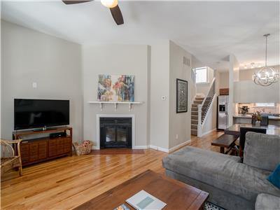 Picturesque & Contemporary Home in Lafayette Square | JZ Vacation Rentals