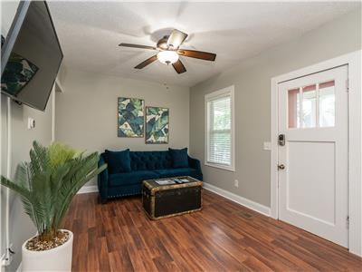 Fantastic 3 bedroom near Franz Park and Maplewood I JZ Vacation Rentals