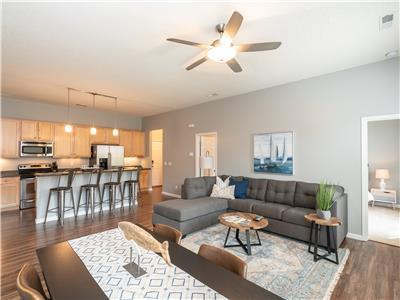 NEW-Gorgeous Condo #2 of 2 in the Heart of New Town I JZ Vacation Rentals