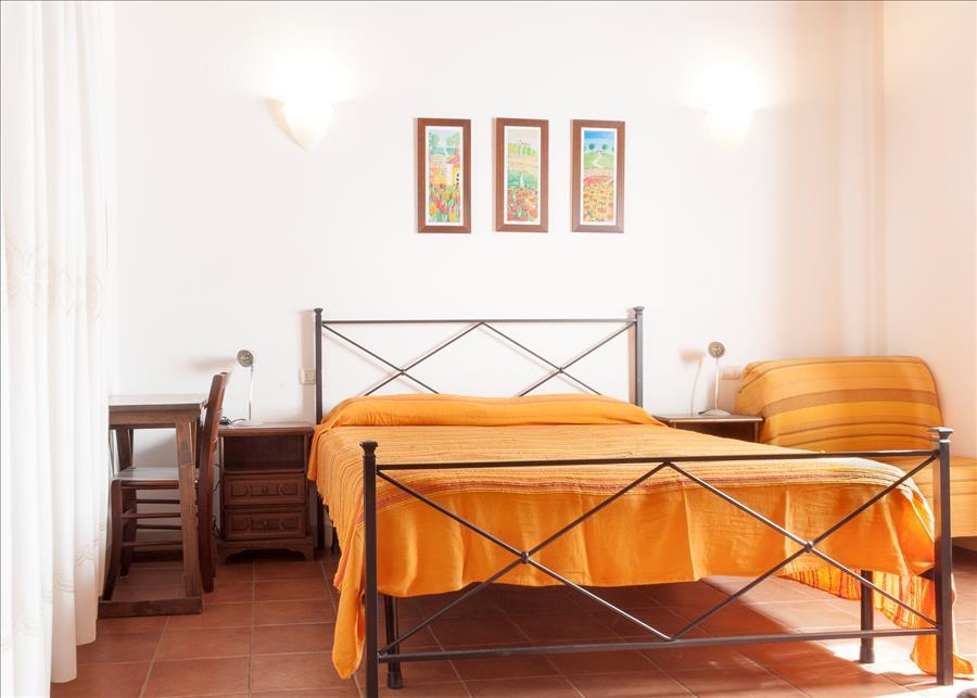 Ferienhaus 2ROOM APARTMENT WITH NICE GARDEN, BARBECUE AND BIKES (2334412), Marina di Campo, Elba, Toskana, Italien, Bild 13