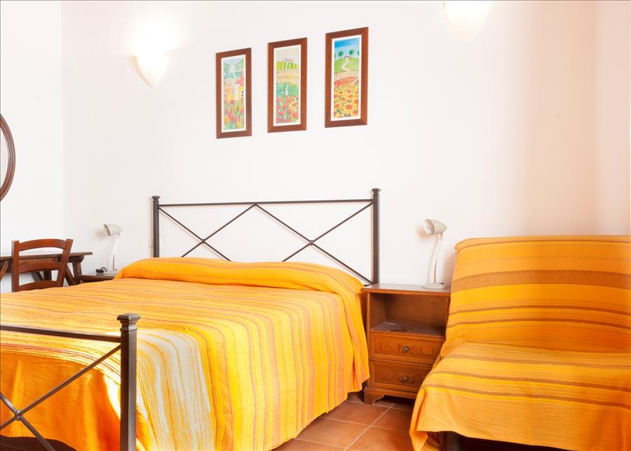 Ferienhaus 2ROOM APARTMENT WITH NICE GARDEN, BARBECUE AND BIKES (2334412), Marina di Campo, Elba, Toskana, Italien, Bild 14