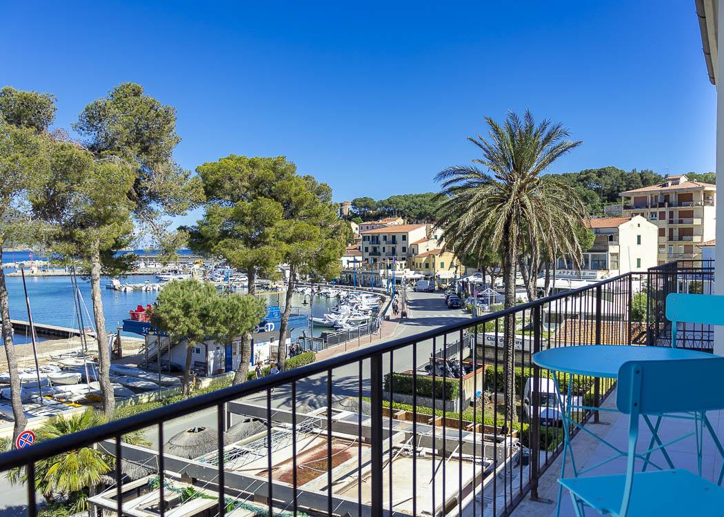 Ferienwohnung Stunning seaview 3 bedroom apartment on the seafront of Marina di Campo (2623949), Marina di Campo, Elba, Toskana, Italien, Bild 3