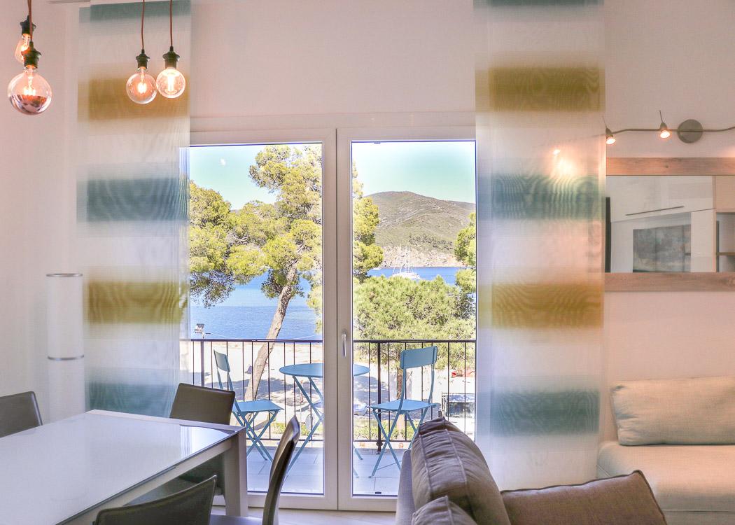 Ferienwohnung Stunning seaview 3 bedroom apartment on the seafront of Marina di Campo (2623949), Marina di Campo, Elba, Toskana, Italien, Bild 4